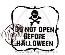 Magnolia EZ-Mount - Do Not Open Before Halloween (text)